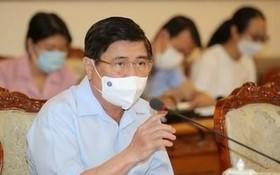 市人委會主席阮成鋒在會上發表。