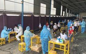 今年6月為新順出口加工區工人採樣檢測。(圖源:安芳)
