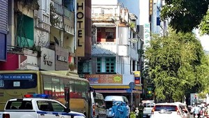 HCMC lockdowns hotel where illegal Chinese immigrants stay