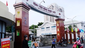 53 health care workers in HCMC infected with Covid-19 after full vaccination