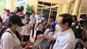 HCMC pays tribute to frontline people in fight against Covid-19