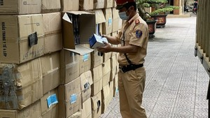 Ha Tinh Province's police seize 122,500 medical masks with unclear origin