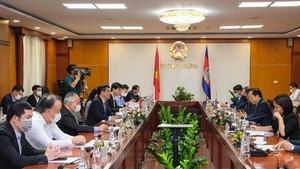Vietnam, Cambodia lift trade ties