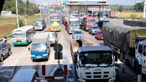Severe traffic jams, road accidents plague major national route