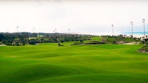 Local officials suspended for golfing during Covid-19 restrictions in Binh Dinh