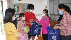 HCMC builds policies to take care of children orphaned by Covid-19