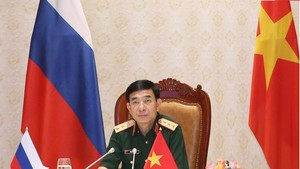 Minister of Defence Sen. Lieut. Gen. Phan Van Giang at the talks (Photo: VNA)