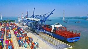 Lach Huyen international sea port in Hai Phong city (Photo: VNA)