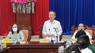Lãnh đạo tỉnh Bạc Liêu họp khẩn khi phát hiện ca nghi dương tính với SARS-CoV-2. Ảnh: THANH NHÀN