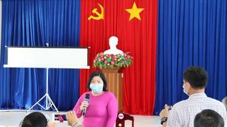 Bà Cao Xuân Thu Vân, Phó Chủ tịch UBND tỉnh Bạc Liêu thông tin về trường hợp nghi dương tính SARS-CoV-2 trên địa bàn