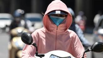 Nắng nóng ở Nam bộ kéo dài đến ngày 8-3, chỉ số UV cực đại trong ngày ở mức 9-10