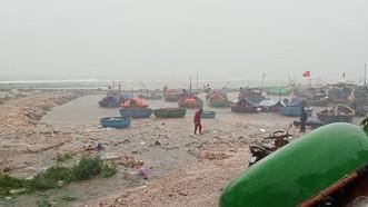 Quảng Ngãi cấm tất cả tàu thuyền và vận tải hành khách ra biển từ 11 giờ ngày 23-9 ứng phó áp thấp nhiệt đới