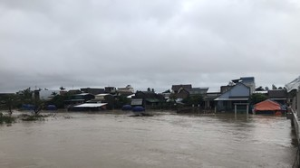 Quảng Ngãi: Lũ trên các sông đang lên nhanh sắp trên mức báo động 3