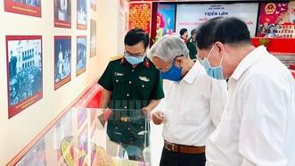 """Triển lãm """"Quốc hội Việt Nam - Những chặng đường đổi mới và phát triển"""". Ảnh: hcmcpv"""