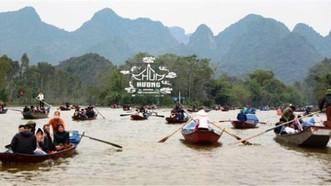 Sáng 5-3, Sở Y tế cùng Sở Văn hóa -Thể thao Hà Nội làm việc với huyện Mỹ Đức để bàn về việc mở cửa trở lại điểm di tích thắng cảnh Chùa Hương