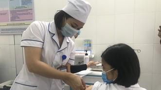 Sau 2 ca sốc phản vệ, Bộ Y tế yêu cầu bệnh viện đảm bảo an toàn tiêm chủng vaccine Covid-19
