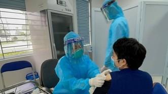 Bộ Y tế lưu ý những vấn đề cần theo dõi sức khỏe sau tiêm vaccine Covid-19