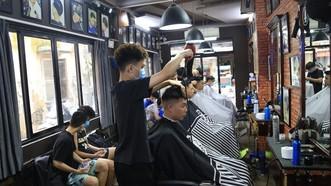Một nhân viên salon tóc mắc Covid-19, Trung tâm Kiểm soát bệnh tật Hà Nội thông báo khẩn