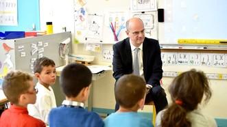 Học sinh tiểu học Pháp có nhiều giờ học toán nhất châu Âu nhưng kết quả lại rất hạn chế