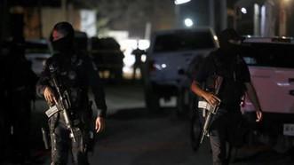 Cảnh sát điều tra hiện trường vụ xả súng tại  bang Jalisco, Mexico ngày 27-2-2021. Nguồn: TTXVN