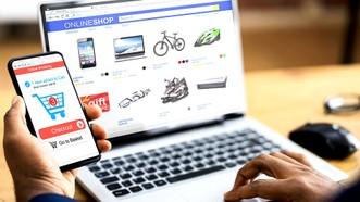 Thương mại điện tử đang bùng nổ trên toàn cầu. Ảnh: UNTAC