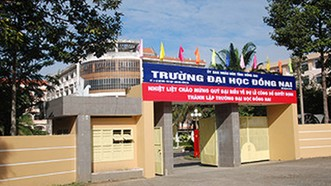 Hiệu trưởng Trường Đại học Đồng Nai bị cách hết chức vụ trong Đảng
