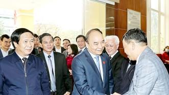 Thủ tướng Nguyễn Xuân Phúc với các cử tri TP Hải Phòng. Ảnh: TTXVN