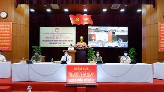 Toàn cảnh hội nghị tiếp xúc trực tuyến tại điểm cầu Văn phòng Thành ủy Đà Nẵng. Ảnh: VGP