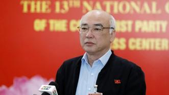 Đồng chí Phan Nguyễn Như Khuê trao đổi với báo chí. Ảnh: VIẾT CHUNG