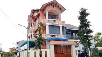 UBND TP Huế bán chỉ định không qua đấu giá lô đất A7, nay đã xây nhà ở phường An Đông cho ông Huỳnh Cư thể hiện sự tùy tiện, gây thất thu ngân sách