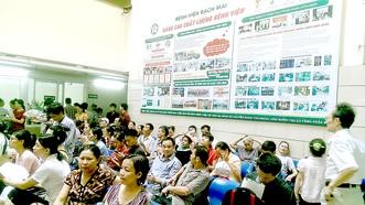 Bệnh viện Bạch Mai lý giải nguyên nhân hơn 200 người nghỉ việc, chuyển công tác