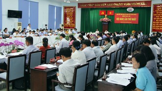 Các đại biểu thảo luận tại hội nghị đầu tiên của Ban Chấp hành Đảng bộ TP Thủ Đức. Ảnh: MINH HIẾU