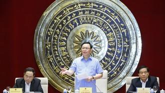 Chủ tịch Quốc hội Vương Đình Huệ phát biểu tại buổi làm việc. Ảnh: VIẾT CHUNG