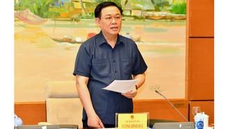 Chủ tịch Quốc hội Vương Đình Huệ phát biểu chỉ đạo tại phiên họp. Ảnh: VIẾT CHUNG