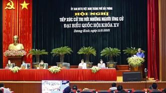 Chủ tịch Quốc hội Vương Đình Huệ khẳng định, cần phải khắc phục tình trạng lạm dụng về công nghệ cao, tuyến dưới chuyển lên tuyến trên, dẫn đến hổng tuyến y tế cơ sở