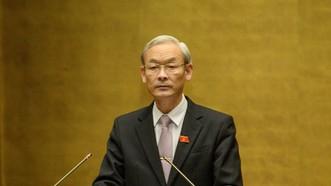 Chủ nhiệm Uỷ ban Tài chính – Ngân sách Nguyễn Phú Cường trình bày báo cáo giải trình, tiếp thu chỉnh lý dự thảo nghị quyết