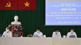 Các ứng cử viên tại buổi tiếp xúc cử tri