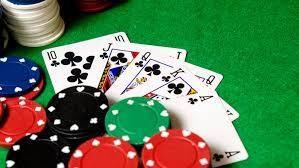 Khởi tố nhóm đánh bạc, có nhiều phóng viên, cộng tác viên