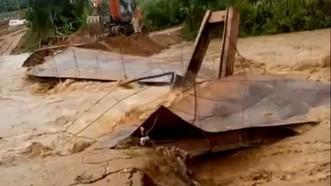 Thanh Hóa: Mưa lớn, hàng trăm hộ dân miền núi bị chia cắt