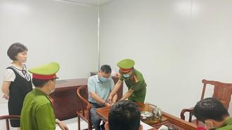 Thanh Hóa: Khởi tố 2 chuyên gia người Trung Quốc về hành vi buôn lậu
