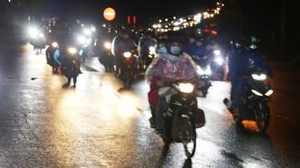 Đồng Nai hộ tống 900 công nhân đi xe máy về Đắk Lắk