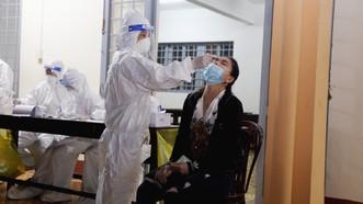 Đoàn bác sĩ Bệnh viện Chợ Rẫy hỗ trợ Đắk Lắk chống dịch
