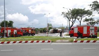 Hàng chục lượt xe được điều động đến hiện trường đễ hỗ trợ cứu nạn