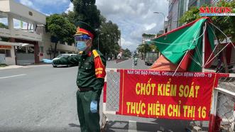 Người dân TPHCM cần mang theo giấy tờ gì khi ra đường?