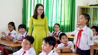 TPHCM: Chăm lo tết cho cán bộ, giáo viên ngoại thành