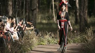 Thổ cẩm Việt vào show thời trang tại Triển lãm Thế giới EXPO 2020