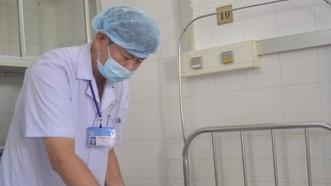 Phẫu thuật thành công cho cụ bà 86 tuổi bị sỏi bám to bằng quả trứng