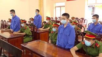 4 bị cáo lãnh hơn 36 năm tù về hành vi giết người