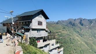 Công trình Panorama trên đèo Mã Pì Lèng đã được cải tạo lại nhưng vẫn chưa đảm bảo theo yêu cầu của cơ quan chức năng tỉnh Hà Giang