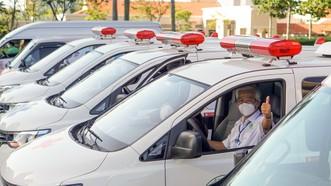 Đội xe cấp cứu khẩn cấp bệnh nhân Covid-19 của TP Thủ Đức. Ảnh: HOÀNG HÙNG